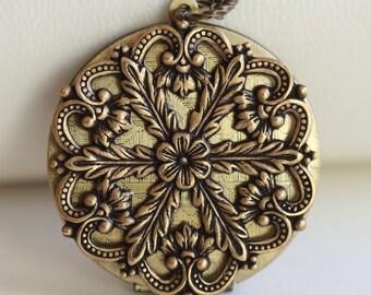 Locket Necklace,Brass Locket, Jewelry,Necklace,Pendant,Flower Locket,vintage style locket,Wedding Necklace,bridesmaid necklace
