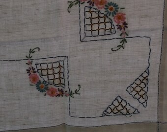 Vintage Tablecloth or Topper in Ecru Linen, Embroidery Detail