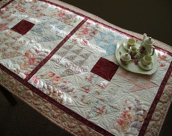 Small Quilt, Mini Quilt, Table Topper