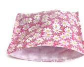 SALE Reusable snack bag, reusable sandwich bag, ziplock alternative, daisies, flower bag, eco bag, pink snack bag, pink daisy sandwich bag
