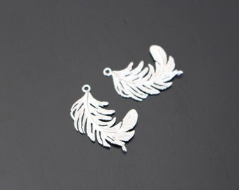 Matte Silver Tarnish Resistant Curved Feather pendants, connectors, 2 pc, KS512704