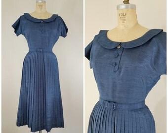 Vintage 1950s Dress / Blue Silk Linen / Henry Rosenfeld Dress / Pleated Skirt / Small