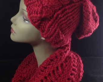 Knit cowl, chunky winter cowl, hand knitted, soft cranberry knit cowl