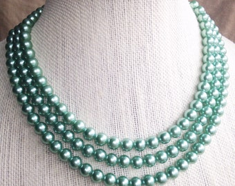 1950s Mint Green Beaded  Mad Men Style Necklace