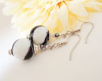 Black and White Swirled Lampwork Glass Beaded Earrings, Silver White and Black Ball Earrings, Bridal Wedding Earrings in Black and White