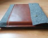 12 inch MacBook case - Grey felt & dark brown leather