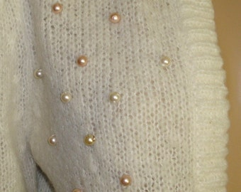 Vintage 1960s Sweater .  Pink & White Faux Pearls  .  Designer  . New Look Rockabilly .  Mad Men Garden Party Couture