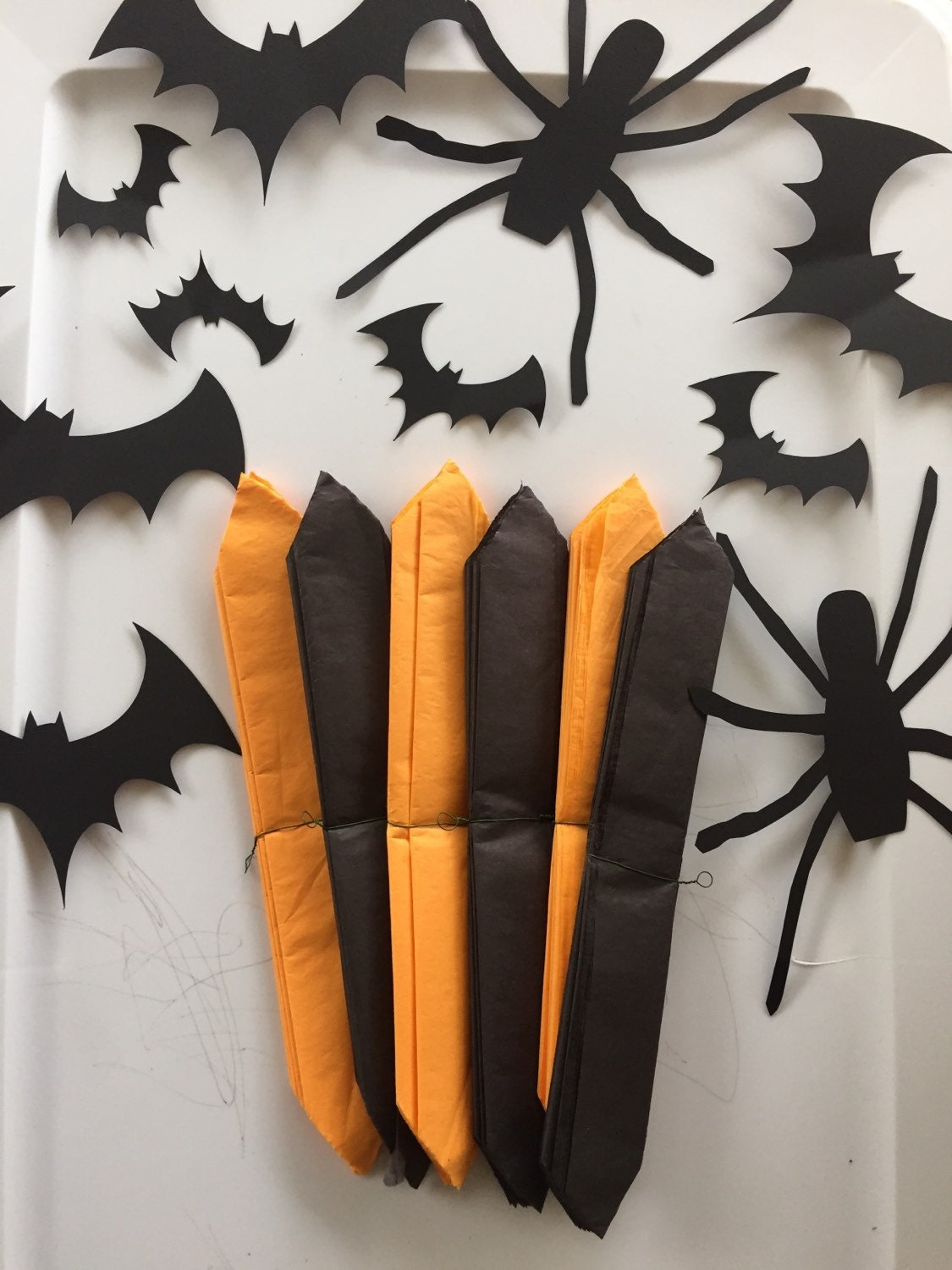 Ready to ship halloween decorations tissue paper pom poms