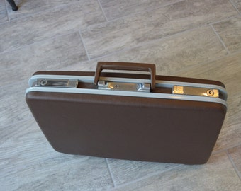 Vintage Samsonite Briefcase- Check out all of our Vintage Cases