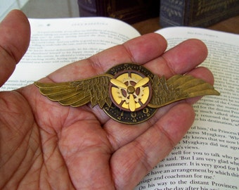 Steampunk Aviator Pin (P505) - Medal - Brass Wings and Clockface/Brass - Brass Propeller/Gears Moveable