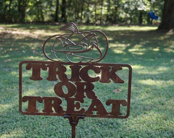 Angry Pumpkin Trick or Treat Yard Sign