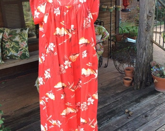 Vintage women Hawaiian XL (Labelled 18) red/orange/white Hawaiian caftan--1960s