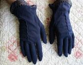 Vintage Navy Blue Ladies Gloves // Wrist Length // Formal Wear // Wedding