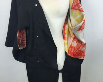 Vintage Silk Kimono // Black with Colorful Lining //  Size M - L // Japanese // 1960 - 1970