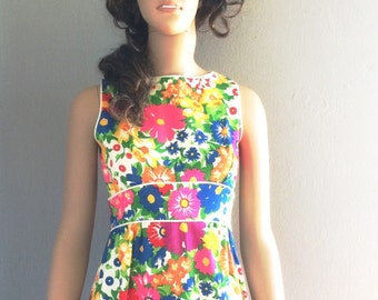 Vintage 1960s Patty Woodward Floral Print Sleeveless Maxi Dress