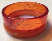 Lovely Lucite--1950s Clear Peach Lucite Bangle Bracelet