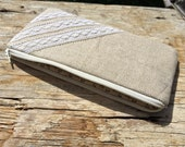 LABOR DAY SALE !! Pencil Case//Pencil Pouch//Cosmetic Pouch//Cosmetic Bag//Zipper Pouch - Burlap & Lace