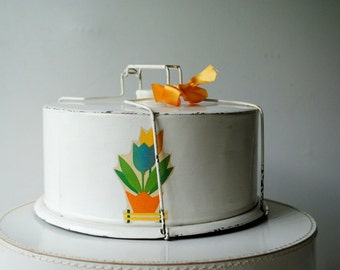 Chabby cottage chic vintage 50s painted tin cake  carrier, holder.