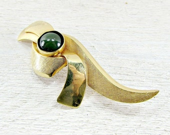 Vintage Green Chrysoprase Stone Brooch Pin, Designer UNCAS, Semi-Precious Gemstone Brooch, Gold Filled Brooch, 1950s Estate Gemstone Jewelry