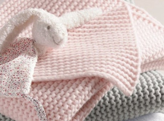 Knitting Blankets For Babies : Baby blanket knitting pattern for beginners easy crib