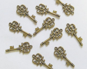 10 Metal Antique Bronze Key Charms - 33mm