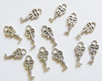 20 Metal Antique Silver Key Charms - 18mm
