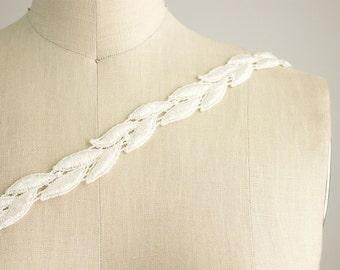 Ivory Laurel Vine Leaf Venice Lace Trim / Lace Leaves / Bridal Veil / Home Decor / Headbands / Lace / Greek Goddess / Ivory Leaf Vine Lace