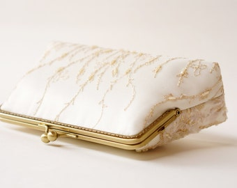 Gold and ivory Lace Purse / Beaded and Appliquéd Lace Silk Clutch / bridesmaid clutch /  Evening clutch / Formal Party Purse