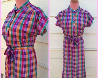 SALE Vivid plaid tie waist 70s dress high neckline size Large