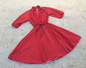 Deep ruby red mosaic print 1970s dress size large