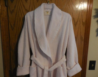 Vintage Herbcraft Pale PINK Chenille ROBE - Plush Pink Line Design - Vintage Herbcraft Pale Pink Chenille BATHROBE - Free Shipping