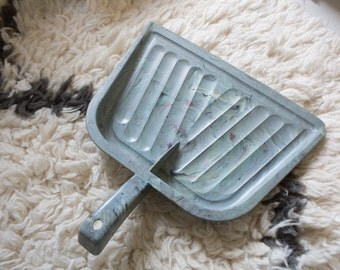 Vintage Dust Pan - Grey Gray Broom Pan Sweeper Plastic Mold Acrylic Marbled Dustpan Retro Broom Kitchen Kitchenware Retro Mid Century