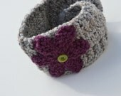 Chunky KNIT headband - ear warmer - head wrap - neck warmer - with knit flower and button closure - lamb's wool - marble grey / fig