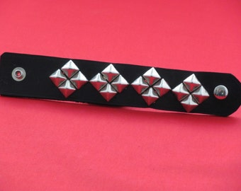Studded leather wrist cuff,black leather cuff.pyramid studded cuff