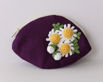 Coin case with flowers