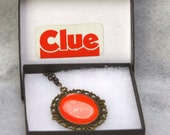 Vintage Clue thumb print pendant necklace 70s FLAT RATE SHIPPING