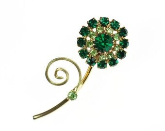 Vintage Simple Flower Brooch Emerald Green and Peridot Rhinestone Pin