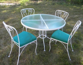 5 piece vintage 1970s or so wrought iron and metal and glass top outdoor SALTERINI WOODARD PATIO set chair table   pick up only