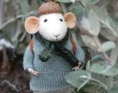Little Traveler Mouse - Felting Dreams