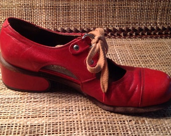 MOD - Mid Century 1960s  Red Vintage Shoes Neiman Marcus Size 5.5 Made in Italy
