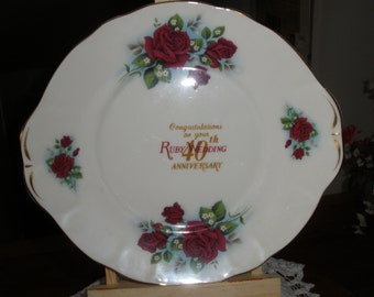 Cake plate Ruby wedding anniversary, made in England by Duchess. 40 years of wedded bliss to celebrate.
