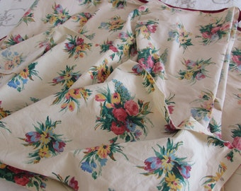 Vintage French 2 pieces,/remanants of fabric, material. country flowers.  Projects and creation.  Country cottage chic