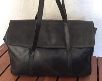 Vintage Authentic Bottega Veneta Black Leather Business Shoulder Bag Purse Made in Italy