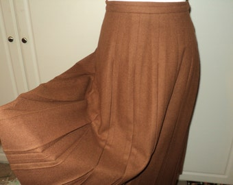 Vintage Pleated Skirt, Brown Wool Skirt in Mint Condition, ILGWU Union Made Textile, 100% Wool Fabric by Julliard, Brentshire Label