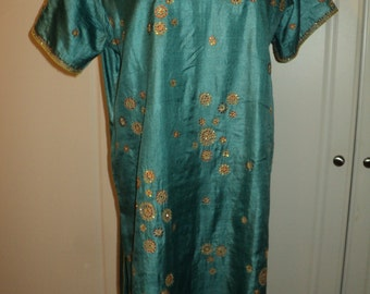 Vintage Teal Blue Silk Sari Tunic Style Top, Size XL in Mint Condition with  Gold and Red sequins and gold embroidered stitched design