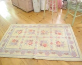 Fabulous shabby chic  wool  latch hooked rug  roses shabby decor prairie
