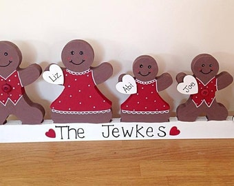 Personalised g ingerbread family christmas decoration plinth