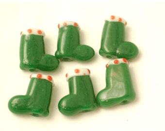12 Handmade Lampwork Glass Beads --- Christmas Green Stocking
