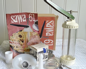 Sawa 61 cookie press, vintage Swedish baking utensil, retro kitchen, retro kitchenalia , please read all details
