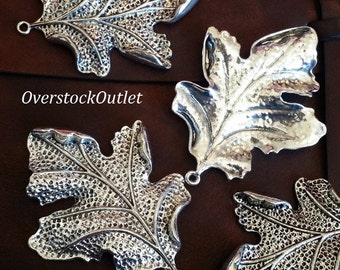 One Detailed Large Leaf in Antiqued Silver AM110